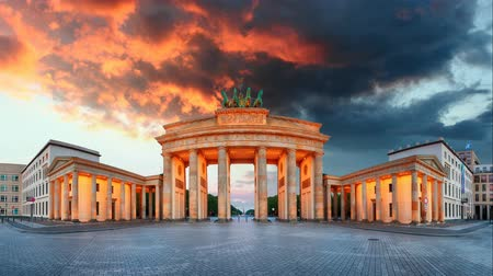 gates : Brandenburg Gate panorama, Berlin - Time lapse, Germany.