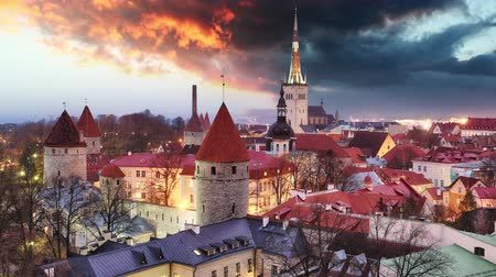 Észtország : Tallinn city, Estonia at sunrise, Time lapse