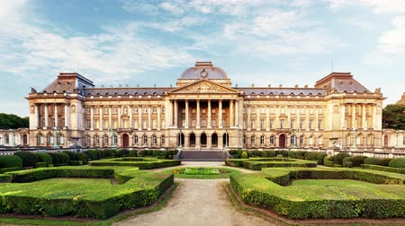 Royal Palace in Brussels in summer day, Belgium Стоковые видеозаписи