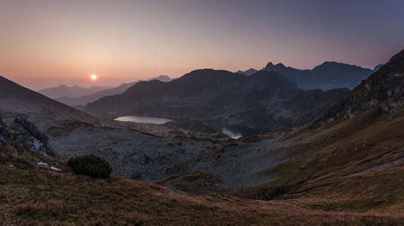 Time lapse of mountain landscape at summer in Tatras at sunrise in Slovakia Стоковые видеозаписи