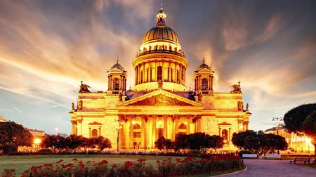 sobor : Isaac cathedral in St Petersburg at night, Russia - Time lapse