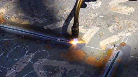 meşale : Worker Cutting Metal with a gas Flame torch in Metal industry slow above Stok Video