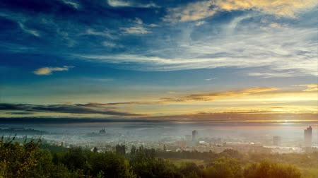 polního : Timelapse of Sun rising over Brno city in Central Europe