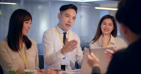 konferencja : asian young Business people working in office Wideo