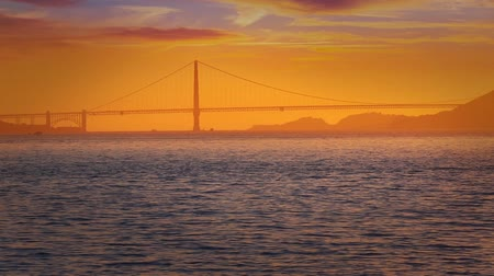 используемый : Golden Gate Bridge in San Francisco sunset California USA