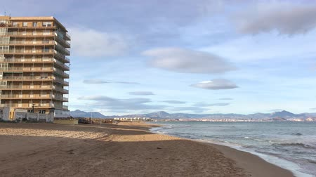 Западная Европа : Video of a long sand beach with the sea surf. Alicante, Spain