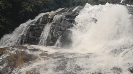 Time Lapse of Phra Duak Saew waterfall in deep forest in Intranon National park,Chiangmai Province in Northern of Thailand. Dostupné videozáznamy