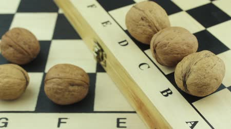 usual : Chessboards and nuts