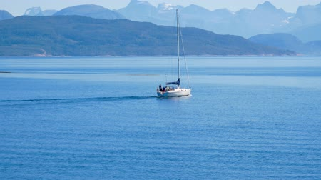 takımadalar : Yacht Sail The Blue North Sea Near The Coast With Fjords