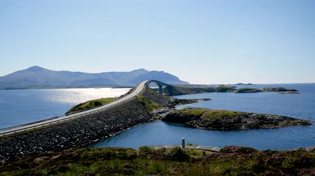 plus : Storseisundet Bridge In Atlantic Road Norvège
