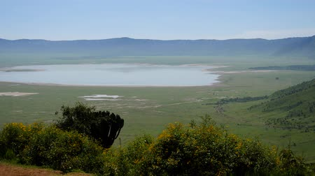 Танзания : Ngorongoro Crater With Lake Magadi