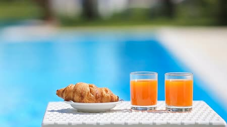 багет : Delicious breakfast by the pool