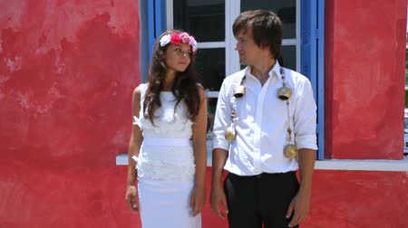 nowożeńcy : Beautiful newlyweds. boho style. greece