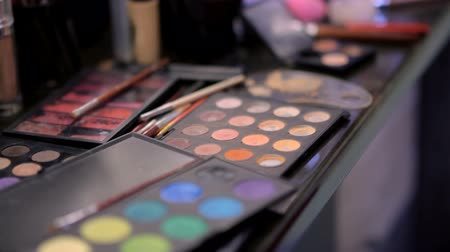 változatos : Varied cosmetics in the make-up salon