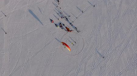 padák : aerial view. Competitions pilots of the paraglider Dostupné videozáznamy