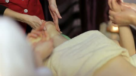 revitalizing : Ayurvedic healing massage