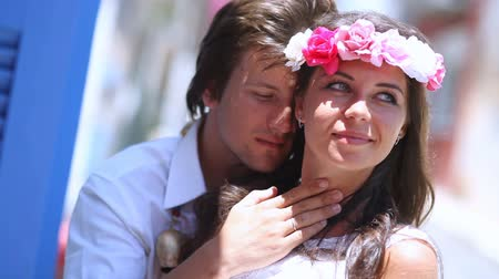 nowożeńcy : Beautiful newlyweds boho style. tenderness of feelings.