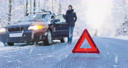Accident Ahead - Seamless Loop - Winter Driving Cinemagraph - ProRes Vídeos