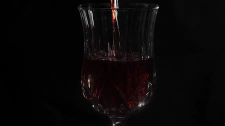 wine poured into clear glass Stok Video