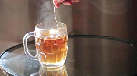 acorde : Steaping a tea bag Stock Footage