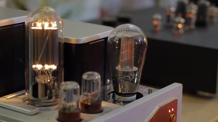 głośniki : Hifi audiophile amplifiers lamp.