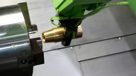 maintenance : Robotic arm with built-in machining spindle. Demonstration of drilling and grinding of material.