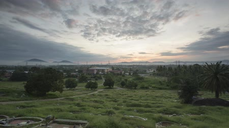 надгробная плита : Timelapse sunrise during early Qingming Festival at chinese grave.