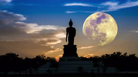 статуя : Important Buddhist Religion full moon, Visakha, Makha Bucha.