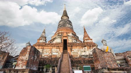 kaew : Wat Yai Chaimongkol temple is regarded as the most important historical sites and temples. The most popular temple in Ayutthaya province.