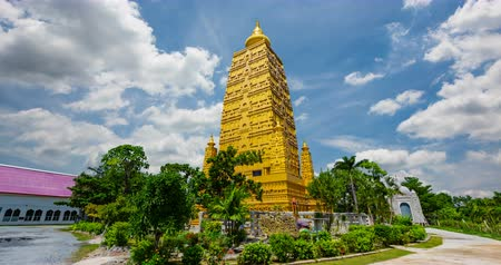 felvilágosodás : Wat Chom Pho ta Ya Ram,Bodh gaya Golden Pagoda Simulate From the holy place at India.In Thailand