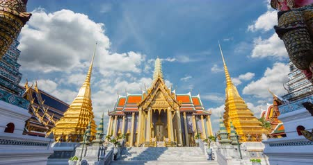 mitologia : Wat Phra Kaew Ancient temple in bangkok Attractions Ancient culture and religion in Thailand Vídeos