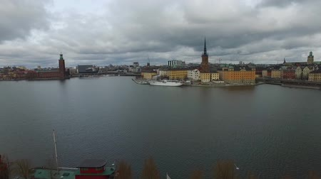 estocolmo : Stockholm old town city view during cloudy day, Sweden. Vídeos