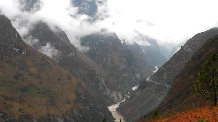 tybet : Scenery of Tiger leaping gorge. Tibet. China.