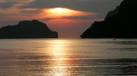 Sunset on a tropical island. El Nido. Philippines. Stok Video