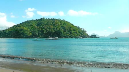 Landscape of the beach of Nacpan. The island of Palawan. Philippines. Stok Video