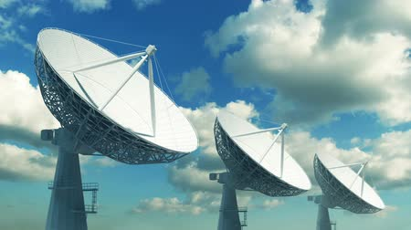 satelite : Array de antenas parabólicas Archivo de Video