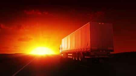 運輸 : Truck on highway at sunrise