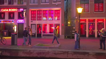 kerület : Crowds of people in Red light district Amsterdam Holland.
