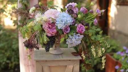 florista : Bouquet Flower decor in wedding ceremony. Stock Footage