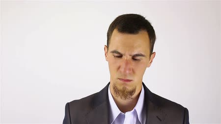 hayal kırıklığına uğramış : Businessman with a beard Thinking after Big Business Loss Stok Video