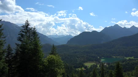 bajor : The Karwendel is the largest mountain range of the Northern Limestone Alps.