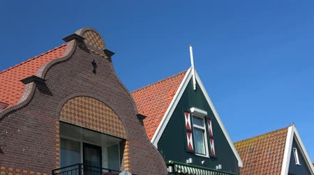 kwiecień : Volendam is a small village in the district of North Holland, Netherlands.