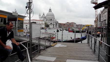maria : Grand Canal with the Santa Maria della Salute church in Venice - Italy. Vídeos