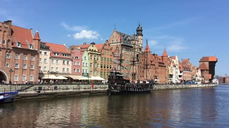dünya mirası : Cityscape of Gdansk with ship on the river Motlawa - Poland.