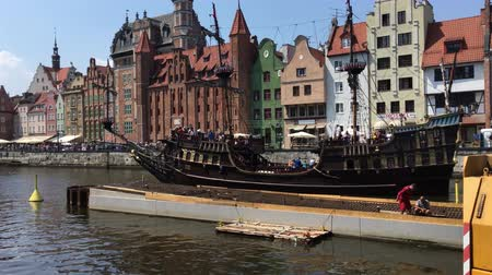 haven : Old sailing ship on the river Motlawa in Gdansk - Poland. Stock Footage