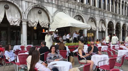 симфония : Caffe Florian on the Piazza San Marco of Venice in Italy.