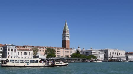 dünya mirası : Grand Canal in San Marco with view to Campanile and Doges Palace of Venice - Italy.