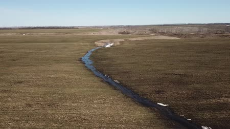 mouchy : Stream in the field, Aerial view. Ryazan Region landscape. Russia. Spring nature Dostupné videozáznamy