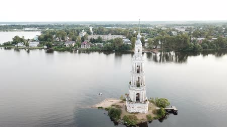Russian Landmark. Flooded Belfry of St. Nicholas Cathedral in Kalyazin Стоковые видеозаписи