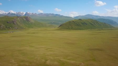 toscane : Valley Mountain Landscape Kyrgyzstan. Western Kyrgyzstan Pamir Mountains Landscape. Travel Asia. Stockvideo